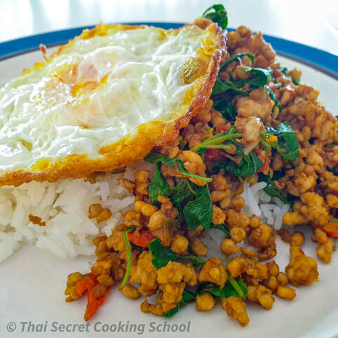 Thai-Fried-Egg-Kai-Dow-Pad-Krapow.Jpg