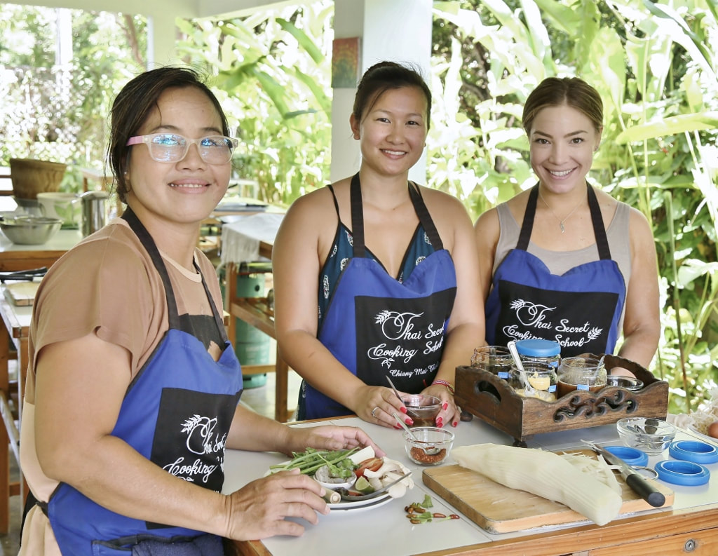 Personalized Thai Cookbook Photos from September 20th 2017 Our free gift for each individual student.